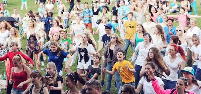 Menų pieva – šventė šeimai ir vasaros stovyklų mugė!