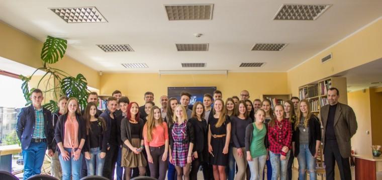 """Baigiamoji projekto """"Varėnos krašto jaunimo iniciatyvų skatinimas"""" konferencija"""